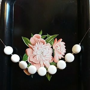 Vintage White, gold &copper toned beaded necklace